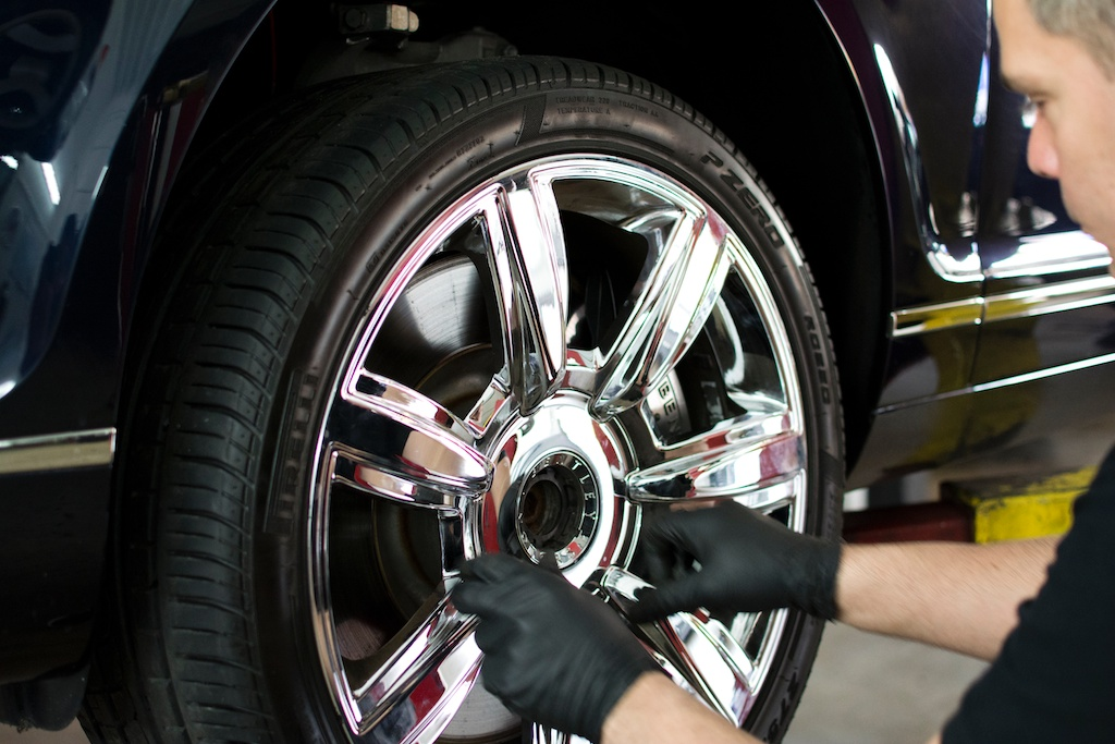 Certified miami automobile repair mechanic for bentley for Mercedes benz mechanic miami